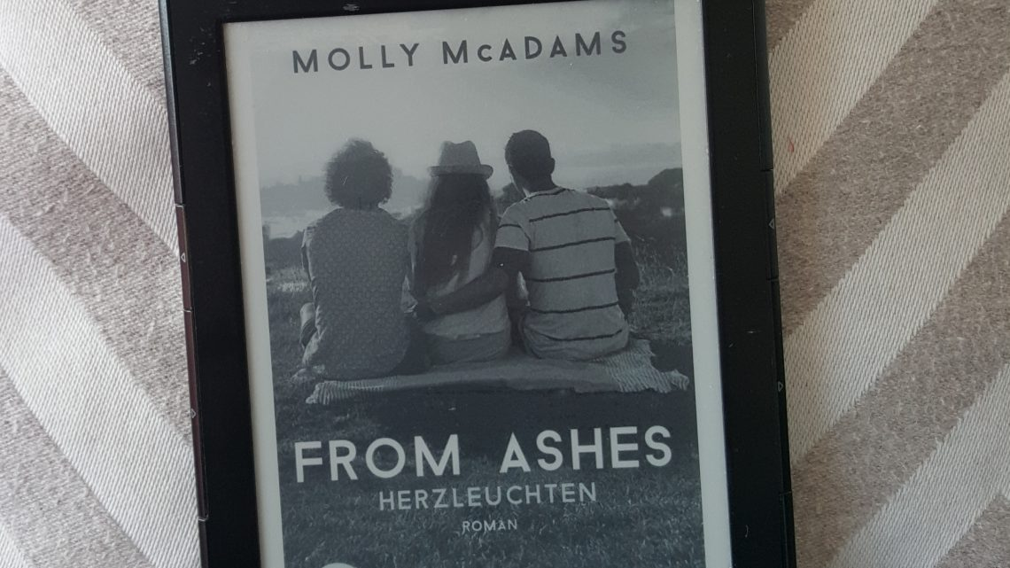 Rezension zu From Ashes – Herzleuchten: Liebesroman